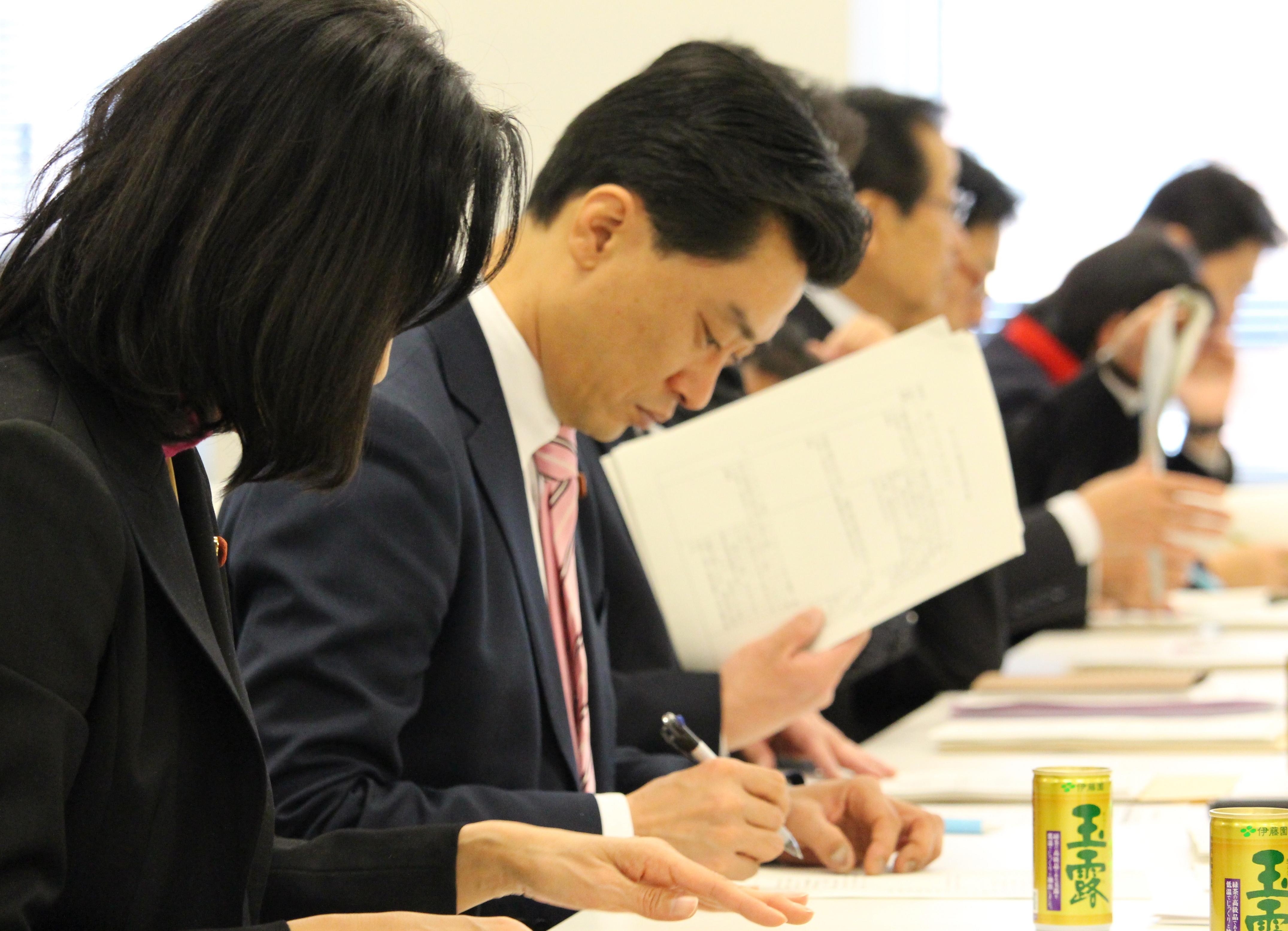 20160126-2政調役員会法案ヒアリング00111